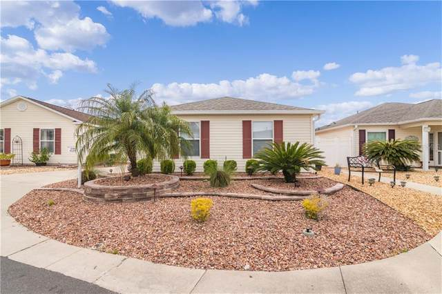 17785 SE 91ST FREEDOM Court, The Villages, FL 32162 (MLS #G5039283) :: Young Real Estate