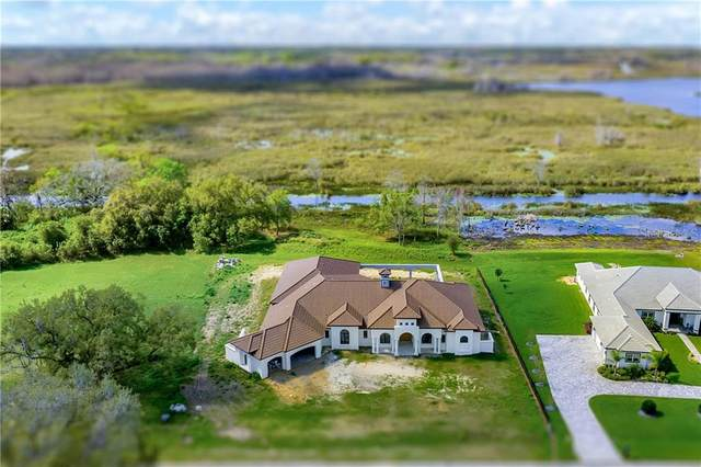 16852 Royal Palm Drive, Groveland, FL 34736 (MLS #G5039459) :: Sarasota Gulf Coast Realtors