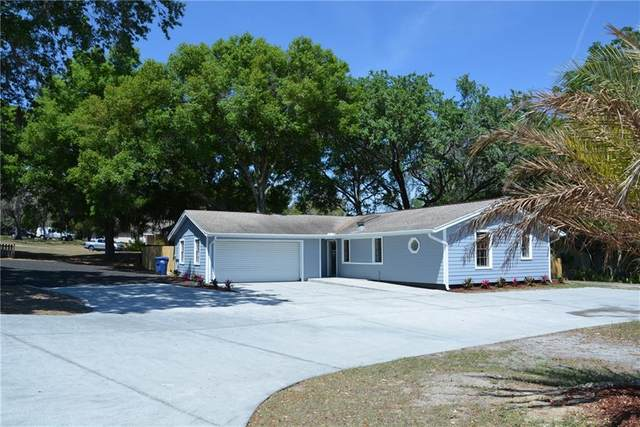 697 E Anderson Road, Groveland, FL 34736 (MLS #G5040264) :: Griffin Group