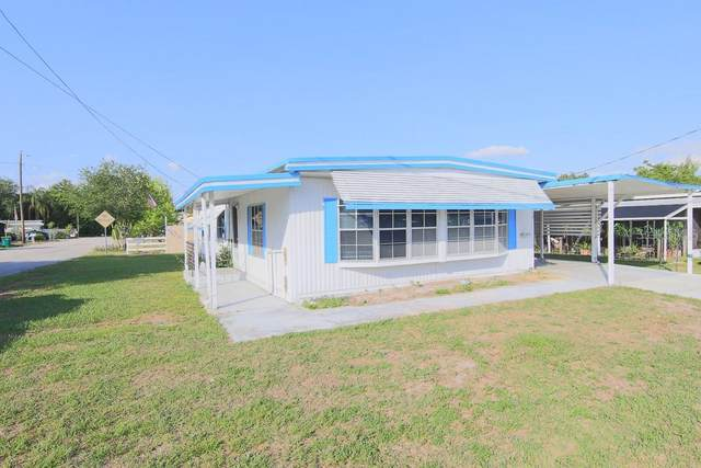 1518 Pleasant Street, Tavares, FL 32778 (MLS #G5041523) :: Everlane Realty