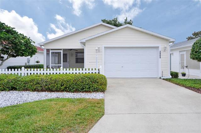 2909 Barboza Drive, The Villages, FL 32162 (MLS #G5041862) :: Griffin Group