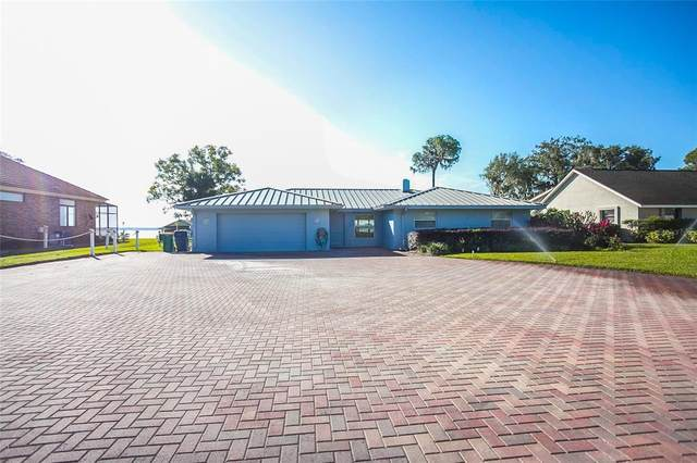 612 Lake Dora Drive, Tavares, FL 32778 (MLS #G5042910) :: Alpha Equity Team