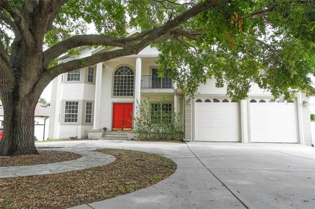 10911 Lakeshore Drive, Clermont, FL 34711 (MLS #G5043575) :: The Duncan Duo Team