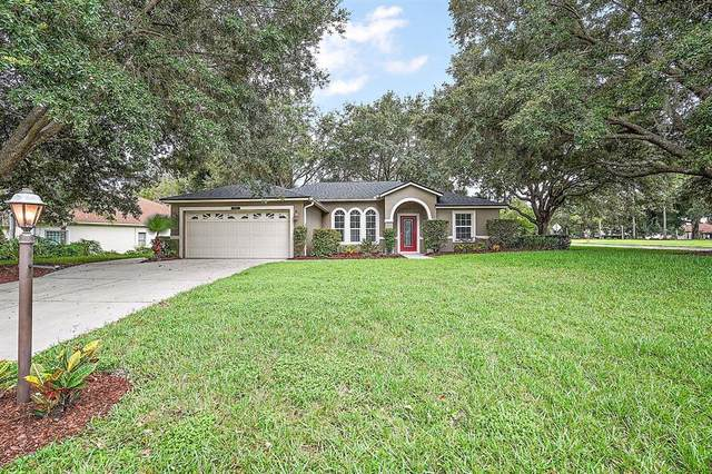 5557 Grove Manor, Lady Lake, FL 32159 (MLS #G5044353) :: Kreidel Realty Group, LLC