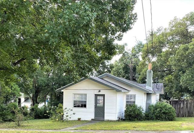 345 W Minneola Avenue, Clermont, FL 34711 (MLS #G5046379) :: Everlane Realty