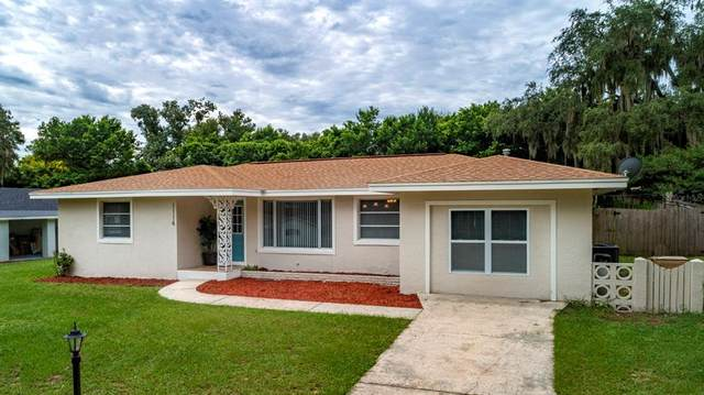 1114 N Magnolia Circle, Eustis, FL 32726 (MLS #G5046952) :: Sarasota Property Group at NextHome Excellence