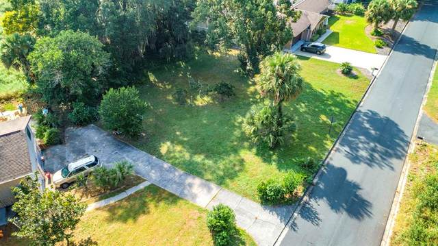 Hilltop Drive, Mount Dora, FL 32757 (MLS #G5047637) :: Bob Paulson with Vylla Home