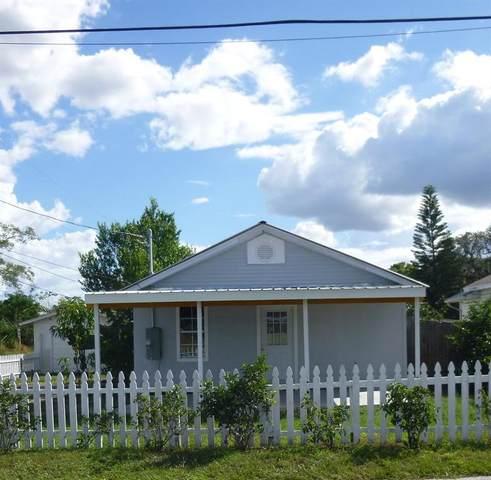 317 W 9TH Street, Frostproof, FL 33843 (MLS #K4901542) :: Griffin Group