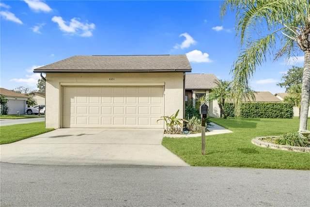 4301 Larrys Lagoon, Winter Haven, FL 33884 (MLS #L4920389) :: The Paxton Group
