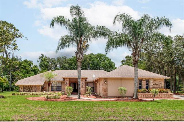 2908 Forest Club Drive, Plant City, FL 33566 (MLS #L4923421) :: Everlane Realty