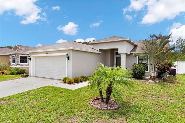 2217 Lakeridge Drive, Winter Haven, FL 33881 (MLS #L4923453) :: Everlane Realty