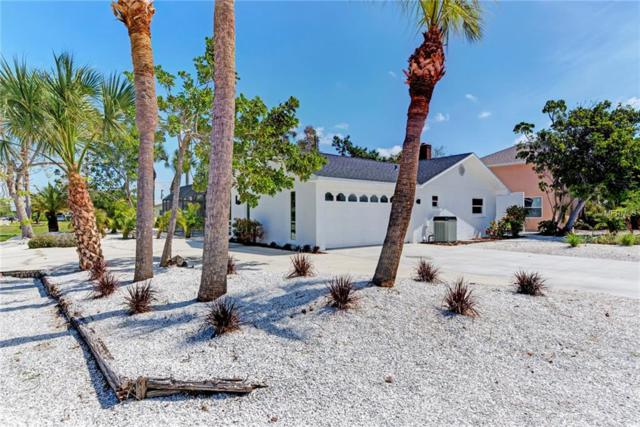 901 Harbor Drive S, Venice, FL 34285 (MLS #N6100168) :: The Duncan Duo Team