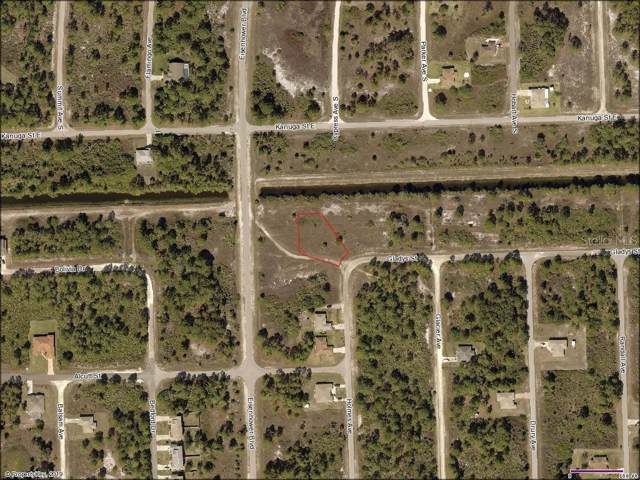 702 Holmes Avenue, Lehigh Acres, FL 33974 (MLS #N6106851) :: Cartwright Realty