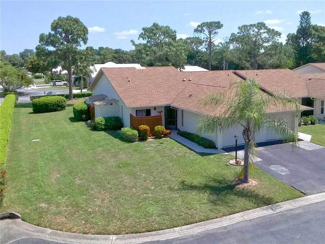601 Pinebrook Crescent, Venice, FL 34285 (MLS #N6110451) :: Icon Premium Realty