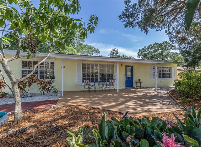 1212 Pineland Avenue, Venice, FL 34285 (MLS #N6110992) :: McConnell and Associates