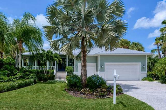 725 Eagle Point Drive, Venice, FL 34285 (MLS #N6111842) :: Carmena and Associates Realty Group