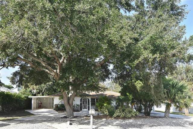305 Park Lane Drive, Venice, FL 34285 (MLS #N6112437) :: Gate Arty & the Group - Keller Williams Realty Smart