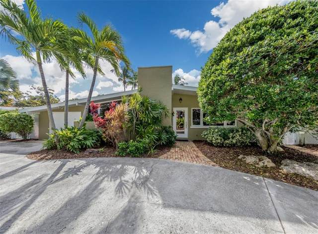 425 Bayshore Drive, Venice, FL 34285 (MLS #N6112719) :: Rabell Realty Group