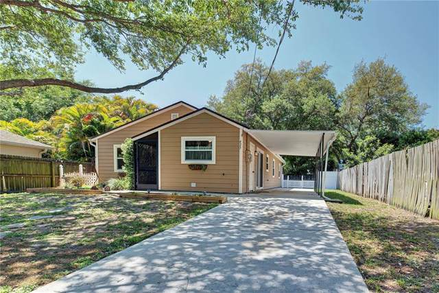 425 Glenwood Avenue, Osprey, FL 34229 (MLS #N6114796) :: The Light Team