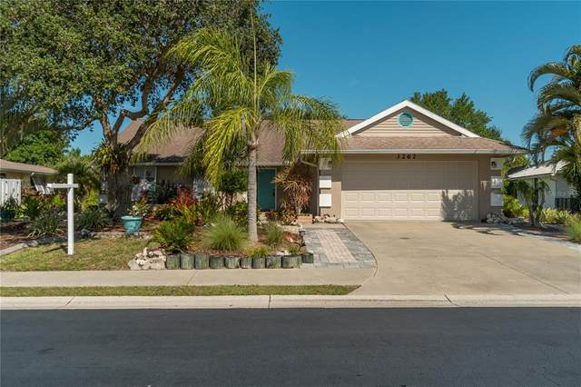 3262 Meadow Run Drive, Venice, FL 34293 (MLS #N6115372) :: Burwell Real Estate