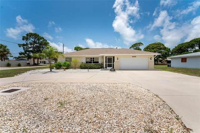 2940 Siesta Drive, Venice, FL 34293 (MLS #N6116102) :: Prestige Home Realty