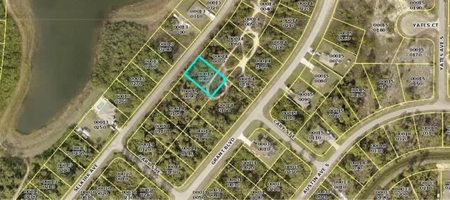 319 Selkirk Avenue, Lehigh Acres, FL 33974 (MLS #N6118084) :: Delgado Home Team at Keller Williams