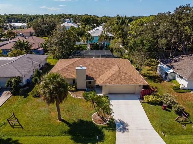 913 Pineapple Avenue, Nokomis, FL 34275 (MLS #N6118158) :: CARE - Calhoun & Associates Real Estate