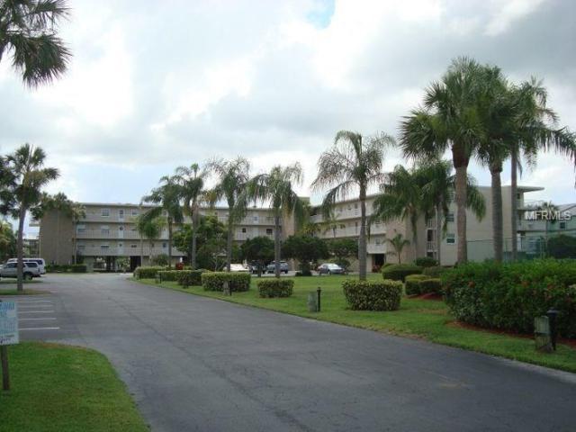 719 Pinellas Bayway S #210, Tierra Verde, FL 33715 (MLS #O5572727) :: The Duncan Duo Team