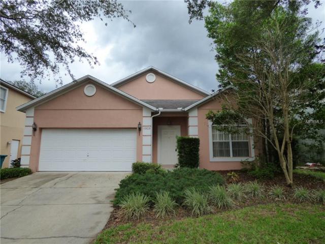 1929 Chathamoor Drive, Orlando, FL 32835 (MLS #O5573438) :: Bustamante Real Estate