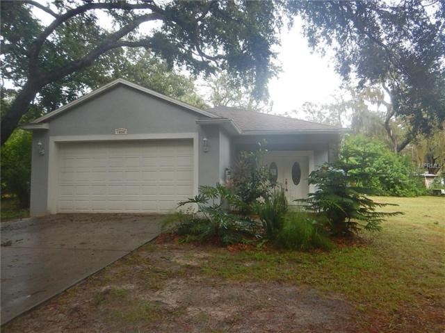 1654 Poinsettia Avenue, Tarpon Springs, FL 34689 (MLS #O5730503) :: The Duncan Duo Team