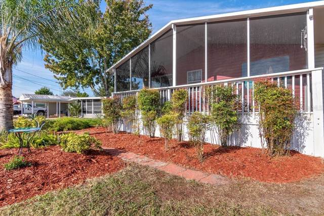 1106 Oakland Circle, Tavares, FL 32778 (MLS #O5831697) :: Gate Arty & the Group - Keller Williams Realty Smart