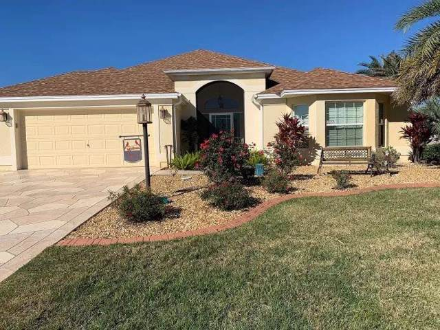 2077 Vickers Place, The Villages, FL 32163 (MLS #O5837199) :: Delgado Home Team at Keller Williams
