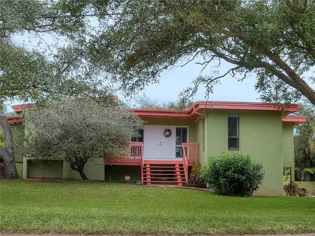 824 E 14TH Avenue, New Smyrna Beach, FL 32169 (MLS #O5843509) :: Florida Life Real Estate Group