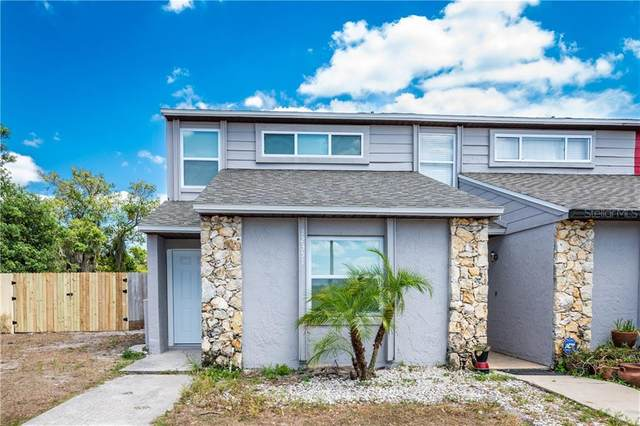 12351 Fox Hound Court, Orlando, FL 32826 (MLS #O5854738) :: Pepine Realty