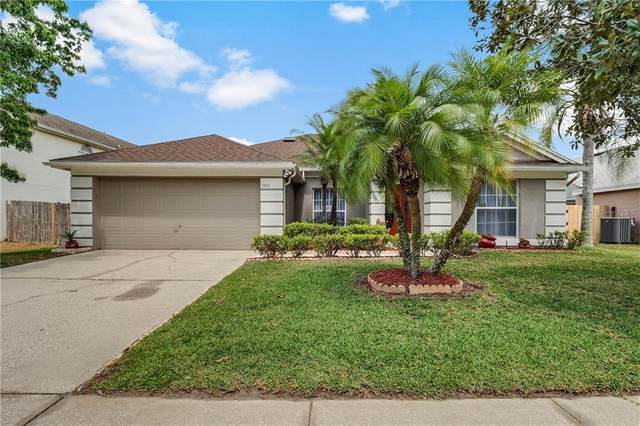 1020 W Riviera Boulevard, Oviedo, FL 32765 (MLS #O5854749) :: Kendrick Realty Inc