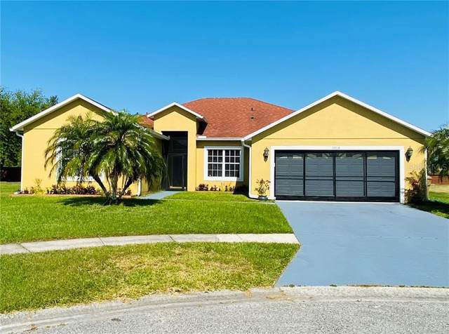 5464 Crepe Myrtle Circle, Kissimmee, FL 34758 (MLS #O5856144) :: Premium Properties Real Estate Services