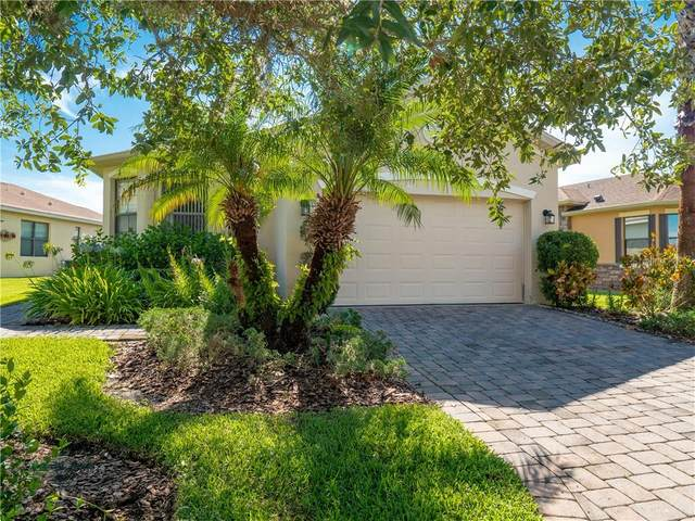945 Grand Canal Drive, Poinciana, FL 34759 (MLS #O5873070) :: Carmena and Associates Realty Group