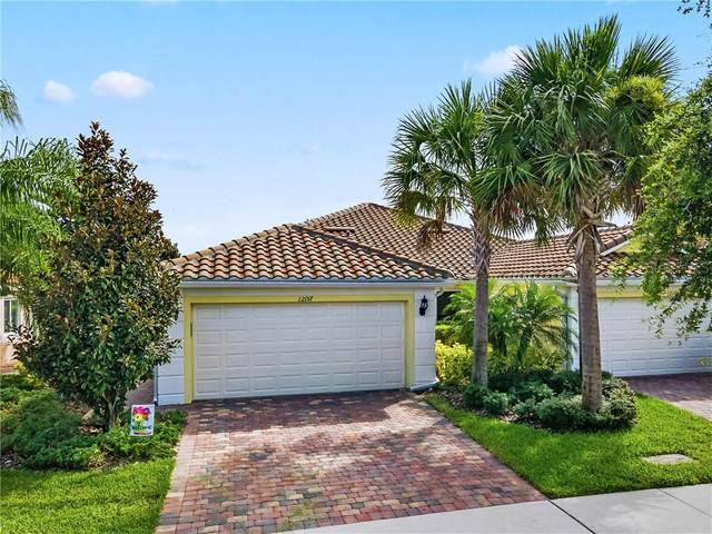 12157 Tripletail Lane, Orlando, FL 32827 (MLS #O5875907) :: GO Realty