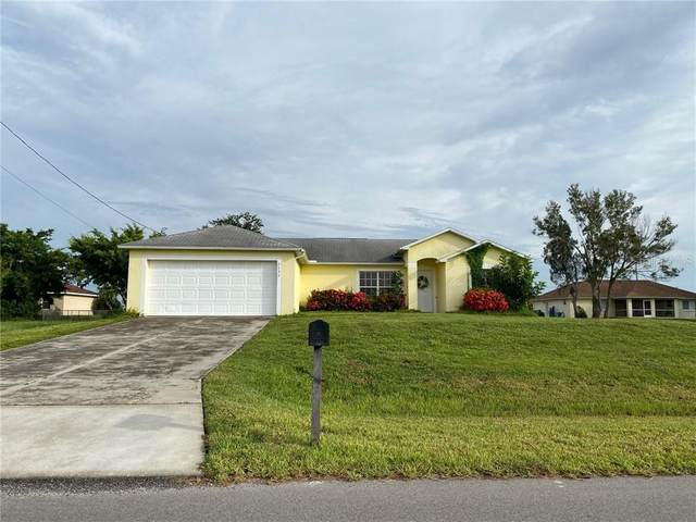 1131 SW 4TH Lane, Cape Coral, FL 33991 (MLS #O5888118) :: Bustamante Real Estate