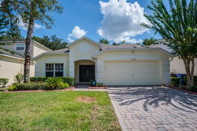 1221 Winding Willow Court, Kissimmee, FL 34746 (MLS #O5893761) :: The Figueroa Team