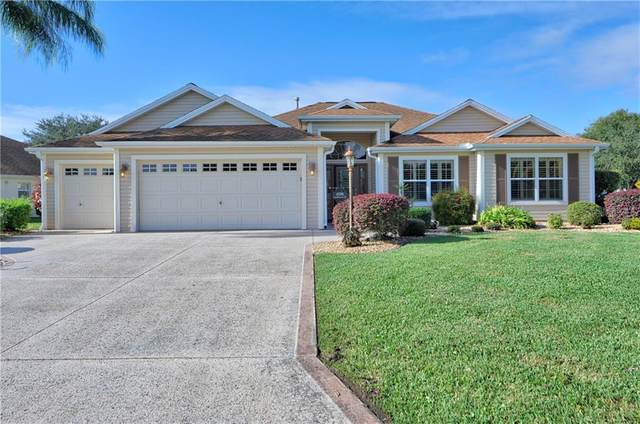 696 Castleberry Circle, The Villages, FL 32162 (MLS #O5906433) :: Alpha Equity Team