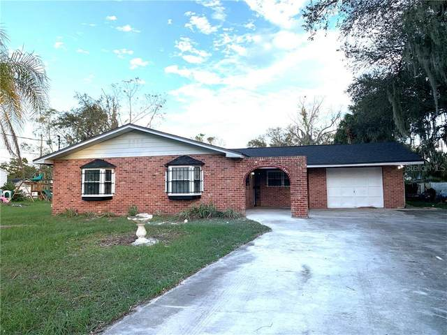 1303 S Persimmon Avenue, Sanford, FL 32771 (MLS #O5909128) :: Delgado Home Team at Keller Williams