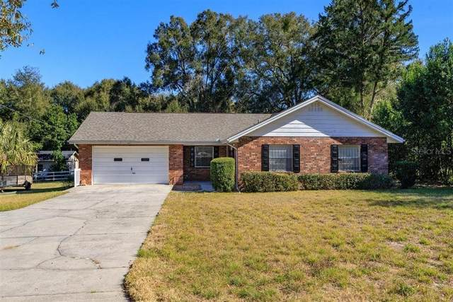 241 N Lake Avenue, Apopka, FL 32703 (MLS #O5917979) :: Bustamante Real Estate