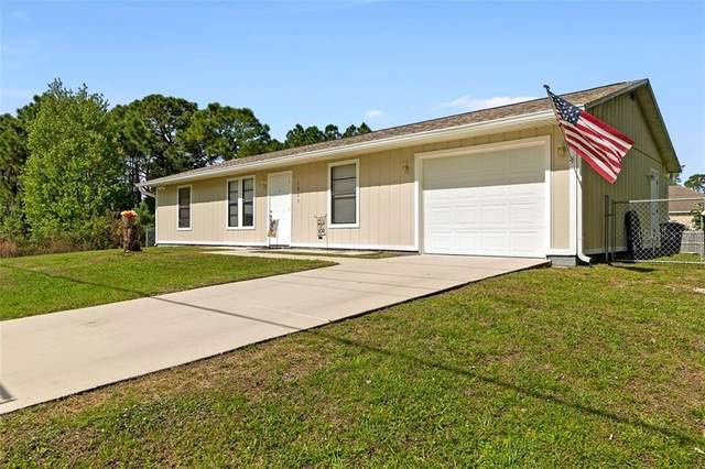 1007 Wyoming Drive SE, Palm Bay, FL 32909 (MLS #O5926859) :: Bob Paulson with Vylla Home