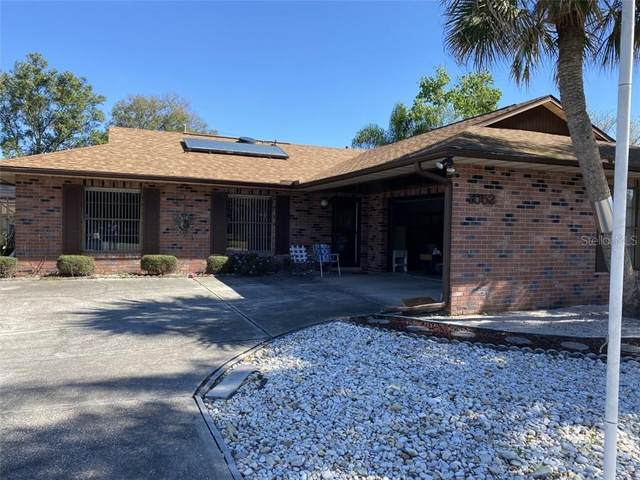 1052 Feather Drive, Deltona, FL 32725 (MLS #O5927555) :: The Duncan Duo Team