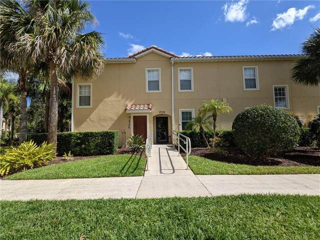 2736 Oakwater Drive, Kissimmee, FL 34747 (MLS #O5932070) :: Sarasota Property Group at NextHome Excellence