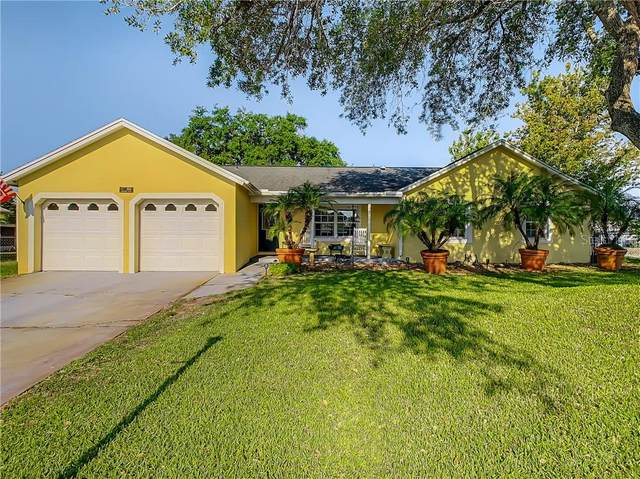 1018 Hemingway Drive, Deltona, FL 32725 (MLS #O5935565) :: The Kardosh Team
