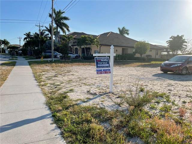 3812 Surfside Boulevard, Cape Coral, FL 33914 (MLS #O5936329) :: The Duncan Duo Team