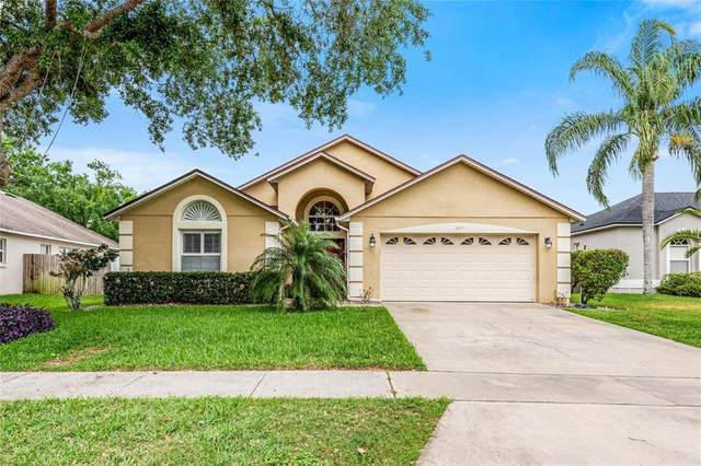 2810 Strand Loop Court, Oviedo, FL 32765 (MLS #O5937610) :: Kelli and Audrey at RE/MAX Tropical Sands