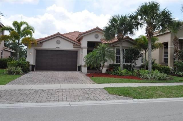 2253 SW Newport Isles Boulevard, Port Saint Lucie, FL 34953 (MLS #O5940498) :: Globalwide Realty